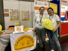 Zwergensprache-Kursleiterinnen Kinga Takács und Cordula Göss-Wansch auf der BabyExpo Wr. Neustadt